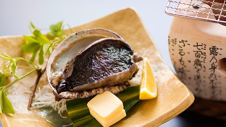 """【アワビのバター焼き】バターの香ばしい香りと、鮑の""""コリコリ""""とした食感をお楽しみ下さい"""