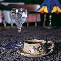 炭酸泉で点てるコーヒーは苦みがなくまろやかなお味。AM8:30~10:00までくつろぎるーむで♪