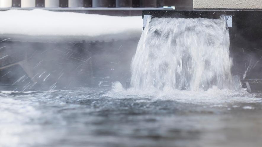 ホテルソニア小樽運河の湯のチケット付。男湯からは小樽運河が一望、女湯には露天風呂が。