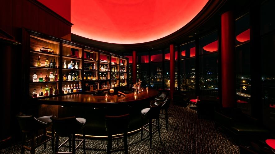 BARDuomoRoss 270度の円形の室内とドーム天井を持つシャルキトリー&オーセンティックバー