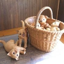 リビオ作品 〜かごの中のテディーベアと子猫ちゃん〜