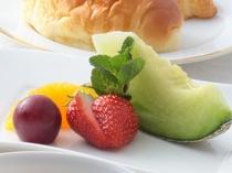 ご朝食の洋食プレート一例
