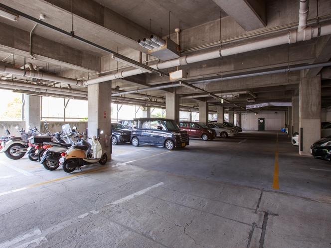 <地下駐車場>屋根付の駐輪場もご用意しております。
