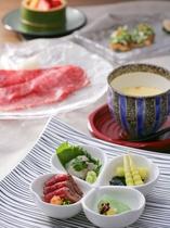 【夕食一例】目で愉しみ、舌で味わう。五感に訴えかけるお料理は、味はもちろん見た目にも鮮やかです。