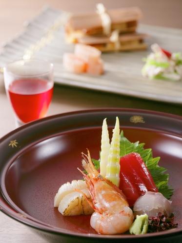 【夕食一例】食の宝庫・山形の山海の幸をふんだんに使用した会席風おもてなし料理。山形ワインとともに。
