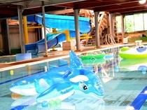 夏休みにオープンする室内プール