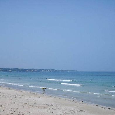 ★ファミリー&カップル素泊まり・海まで徒歩2分 夏は水着のままで海水浴場へ!駐車場無料プラン★