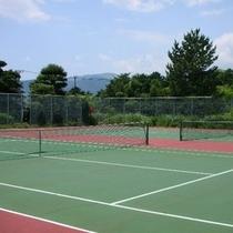 ◎別荘地内のテニスコート