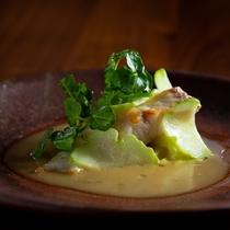真鯛のポワレ シェリービネガーのソース