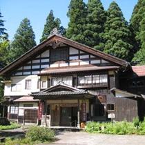 【観光】700年の歴史を持つ邸宅と庭をそのまま博物館に。十日町は、歴史とアートが混在した稀有な町。