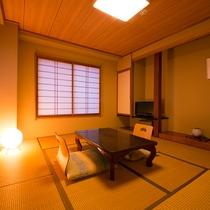 【和室8畳】松之山温泉街を眼下に、温泉街の風情を感じていただけるお部屋。