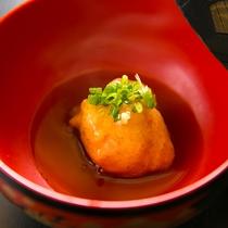 【こだわりの野菜】松之山で採れた自然薯をふんわりと。冬しか味わえない逸品です。