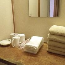 *【アメニティ】お部屋にはバスタオル、タオル、歯磨きセットなどをご用意しております。
