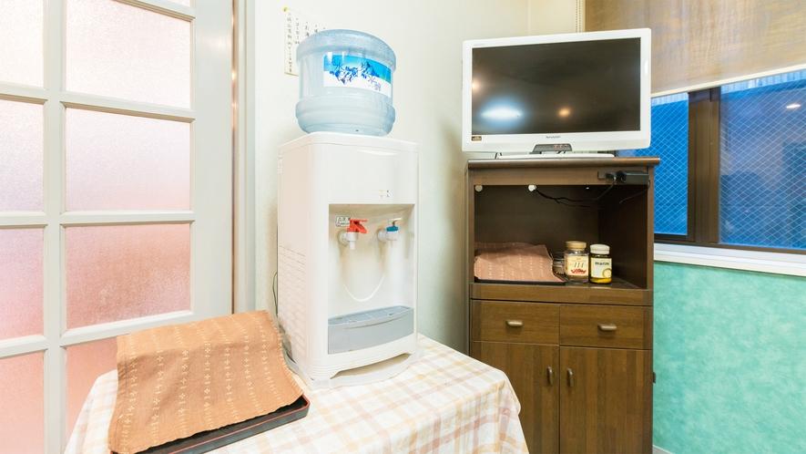 *【食堂】備え付けのウォーターサーバーです。ご朝食時にご利用頂けます。