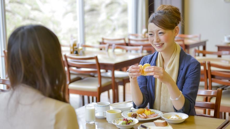 【バイキング会場】朝食風景