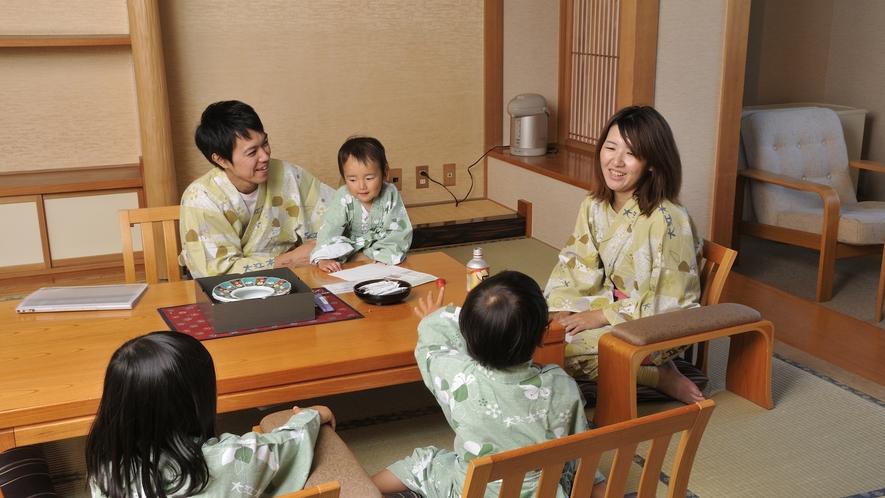 ほっと落ち着く和室で、一家団欒のひとときをお過ごしください。