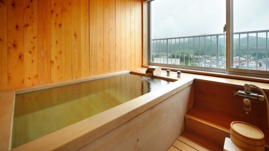 【飛燕閣】和室特別室展望檜風呂 眺望も抜群。檜の香りに癒されます