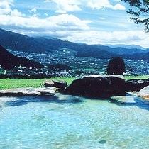 よませ温泉で大人気展望露天風呂【遠見乃湯】まで車で2分です。