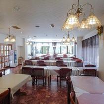 *[レストラン]モダンな雰囲気の洋風レストラン。夕朝のお食事はこちらでお楽しみ下さい。