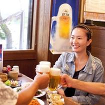【居酒屋 南島食楽園】食事風景(当館より徒歩1分)