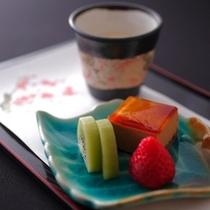和スイーツ3点盛りは甘さも程良く、フルーツなども取り入れているので、とってもヘルシー!