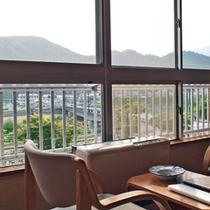 *【客室例】手つかずの自然を眺めながら、ほっと一息。