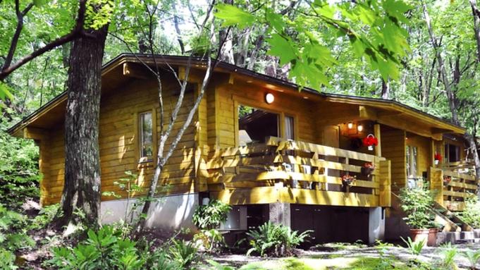 【1棟貸切のプライベート空間】4泊すると1泊無料!森のログコテージで過ごす安心コンドミニアムスタイル