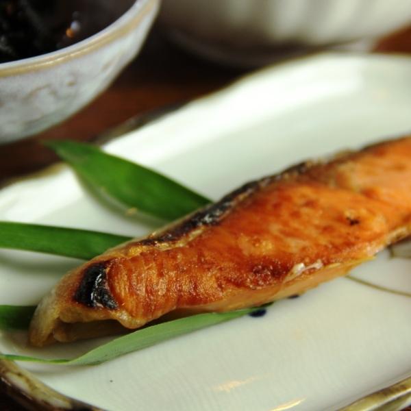 料理-朝食_焼き鮭