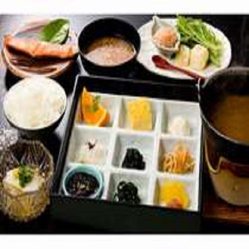 【朝食】朝からホット嬉しい和定食