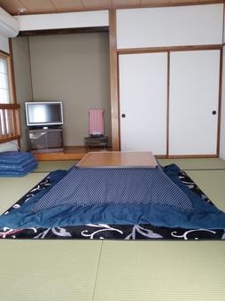 ◆和室(10畳)◆冬はこたつあり