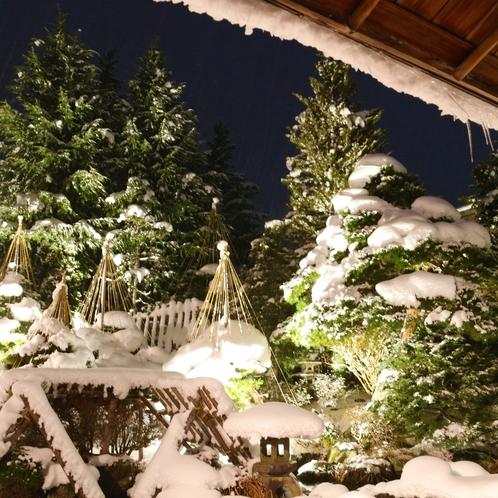 中庭〈冬〉