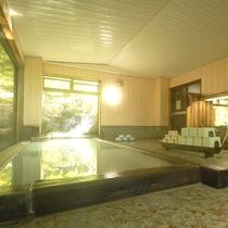 保温効果に優れた天然温泉をお楽しみください。