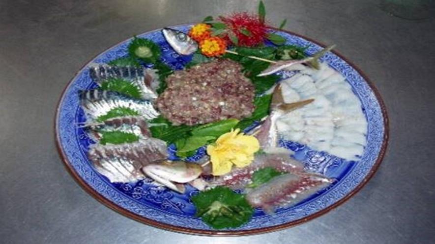 お刺身の盛り合わせ!!  釣ってきた魚、お客様が釣った魚を調理いたします。※有料