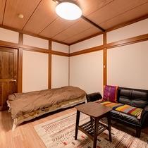 *【部屋一例】洋室シングル もともと和室だったお部屋を改装して気軽に過ごしやすい洋室タイプにしました