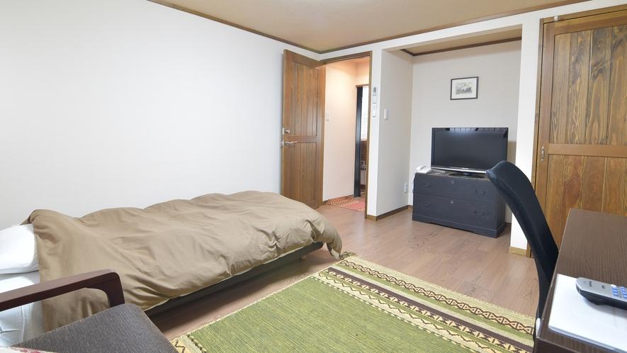 *【部屋一例】洋室シングル もともと和室だったお部屋を改装して気に軽過しやすい洋室タイプにしました。