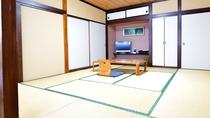 *【部屋一例】 8畳の和室は落ち着いた雰囲気で、ゆったり過ごすにはちょうどいいです♪