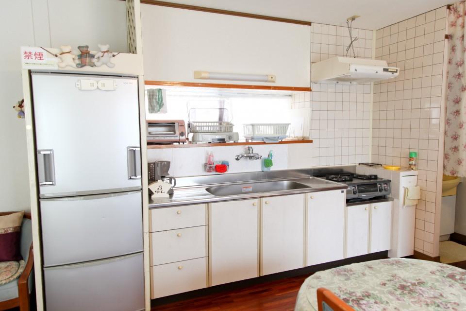 食器・調理器具などキッチン設備完備