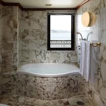 洋スイートルーム バスルーム