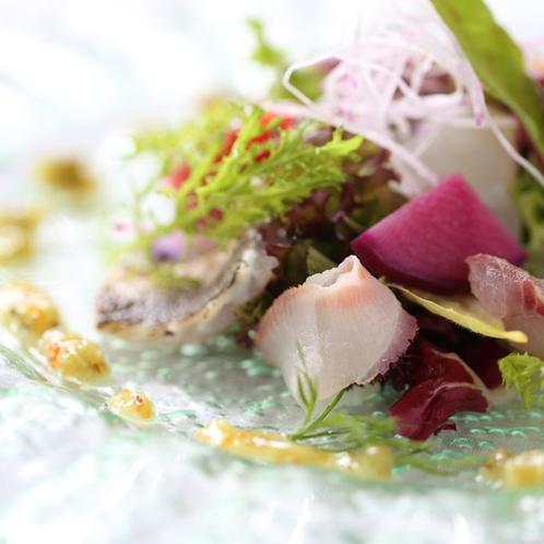 鎌倉フレンチ 前菜一例「湘南風サラダ」