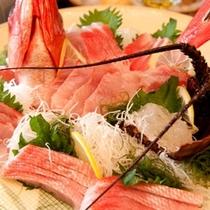 伊勢海老、金目鯛のお刺身&しぶしゃぶセットがメインのBIコース(写真は3~4名様分)