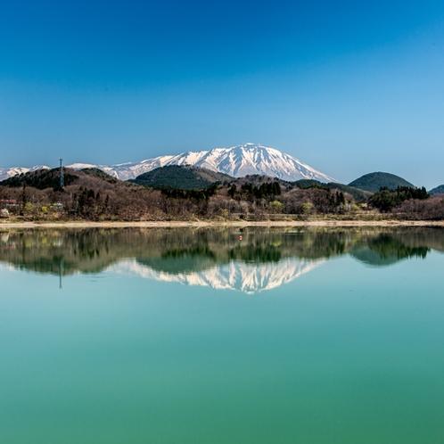 秋田駒ヶ岳・御所湖