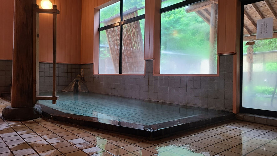 少し熱めの湯にじっくり浸かる…至福の瞬間です♪