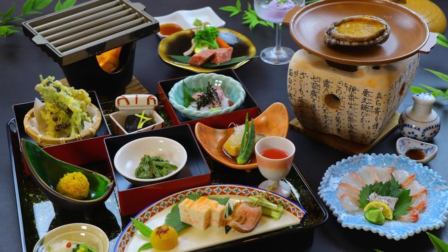 アワビ・雫石牛・鯛がいっぺんに味わえるスペシャルなお食事内容となっております。