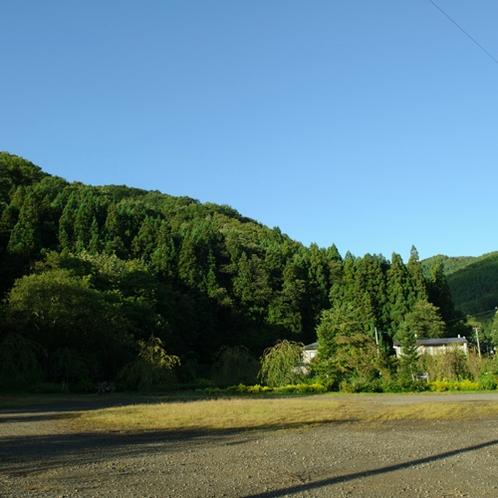 *当館周辺の風景/のどかな風景が広がります