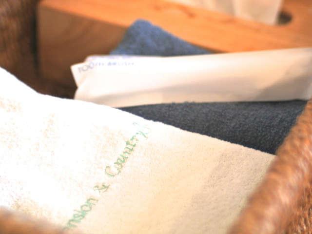 【共通アメニティ】バスタオル、フェイスタオル、歯ブラシ、ティッシュのご用意がございます。