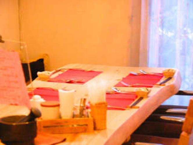 ディナーのテーブルセッティング