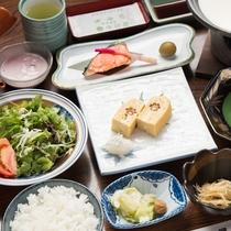 *ご朝食一例/優しい味わいが心も体も和ませてくれる和食の朝ごはん。