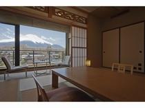富士山が一望の和室