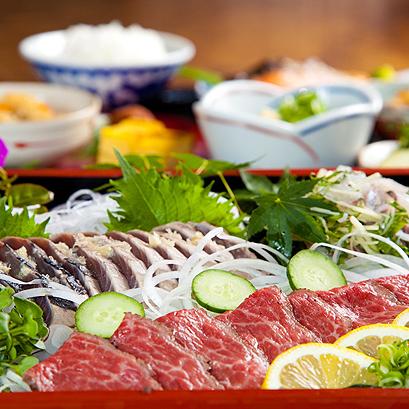 (夕食)高級和牛、カツオ、アジのたたき三昧