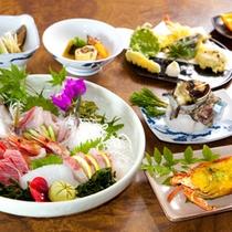 (夕食)伊勢海老、サザエ、刺身盛りの海鮮尽くし